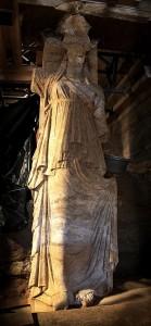 Cariátide de la Tumba de Anfípolis